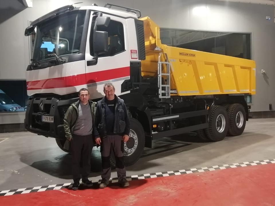 Nueva Entrega de vehículo a la empresa Obres I Excavacions Escala SL