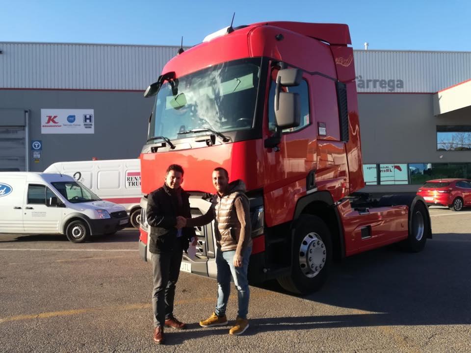 Nueva Entrega de vehículo a la empresa Nazargas Transportes