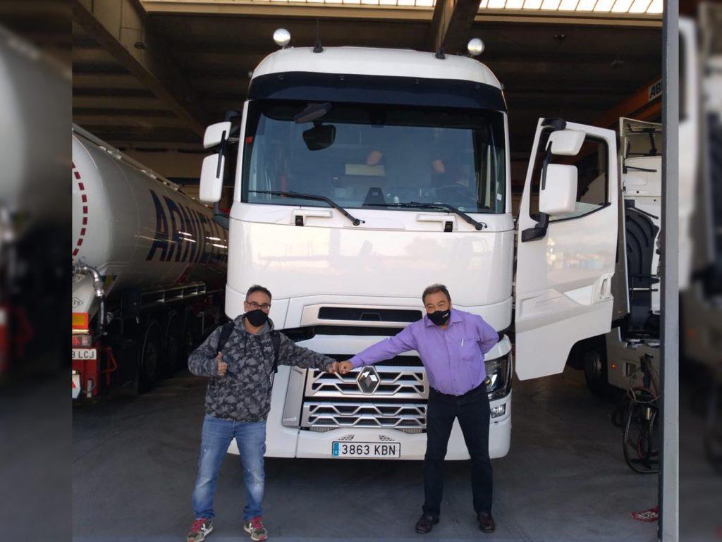 Entrega de vehículo a Fruites Manuel L'ara de Girona - Vehículo de ocasión Renault Trucks T High 520