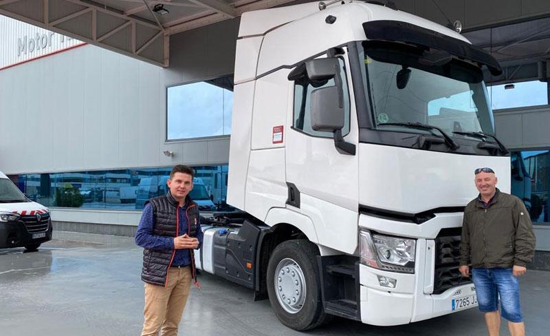 Entregamos este fantástico Renault Trucks T 520 a Vasilica Puscasu