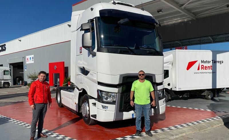 Entregamos este magnífico Renault Truck T 520 a Enric Sabate