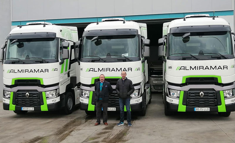Entrega de 7 vehículos Renault Trucks T 480 High cab